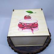 """Квадратная коробка для подарков """"Вишенки"""""""
