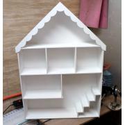 Домик для кукол с лестницей и комнатами