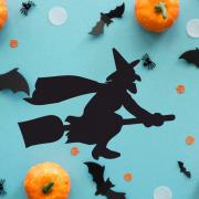 "Украшение на Хэллоуин ""Колдунья на Метле"""
