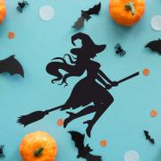 "Украшение на Хэллоуин ""Ведьмочка на Метле"""