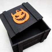 Черный ящик для подарков с тыквой