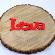"""Интерьерное слово из дерева """"Love"""" игривое"""