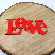 """Интерьерное слово из дерева """"Love"""" в сердечках"""