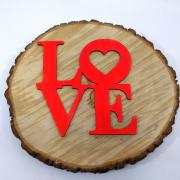 """Интерьерное слово из дерева """"LOVE"""" с сердечком"""