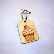 """Деревянная бирка на подарок """"Вишенка на торте"""""""