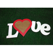 Деревянная фоторамка с красным сердечком