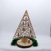 """Деревянная елка """"Геометрия"""" с игрушками"""