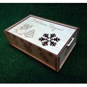 Прямоугольная коробка-пенал для новогодних подарков