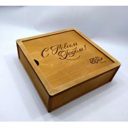 Квадратная коробка для подарков