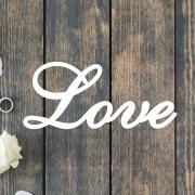 Деревянное слово для фотосессии Love изящное