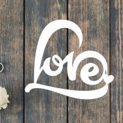 Деревянное слово для фотосессии Love в сердечке