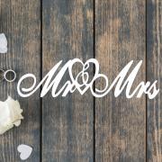 Деревянное слово для фотосессии Mr&Mrs с сердечком