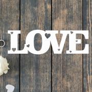 Деревянное слово для фотосессии Love в сердечках