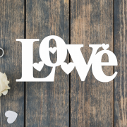 Деревянное слово для фотосессии Love с сердечками