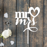 """Свадебный топпер """"Mr&Mrs"""" с сердечком"""